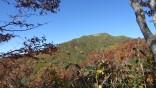 銚子ケ峰あの山の向こうです